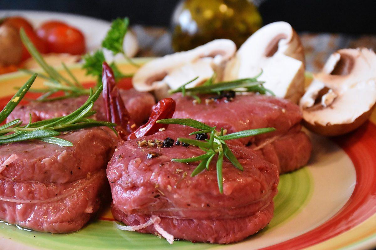 low-carb-steak dish